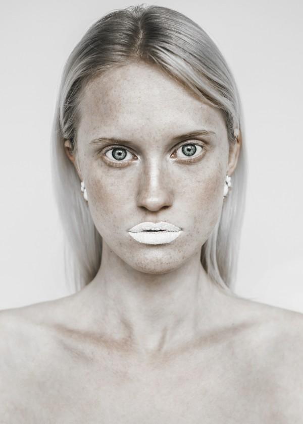 Dominika Twardzik w sesji make-upowej