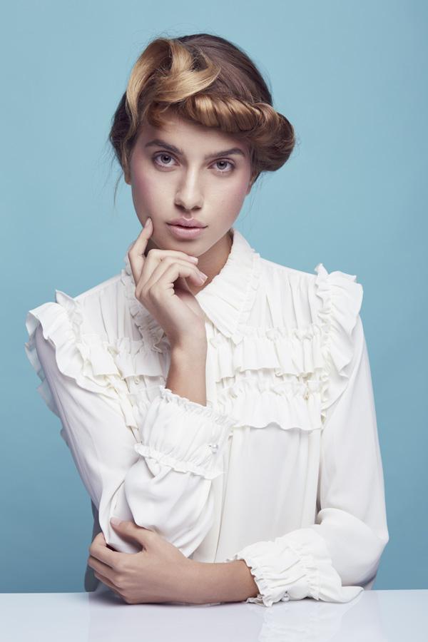 Agata Modlińska w sesji zdjęciowej w magazynie Uroda Życia