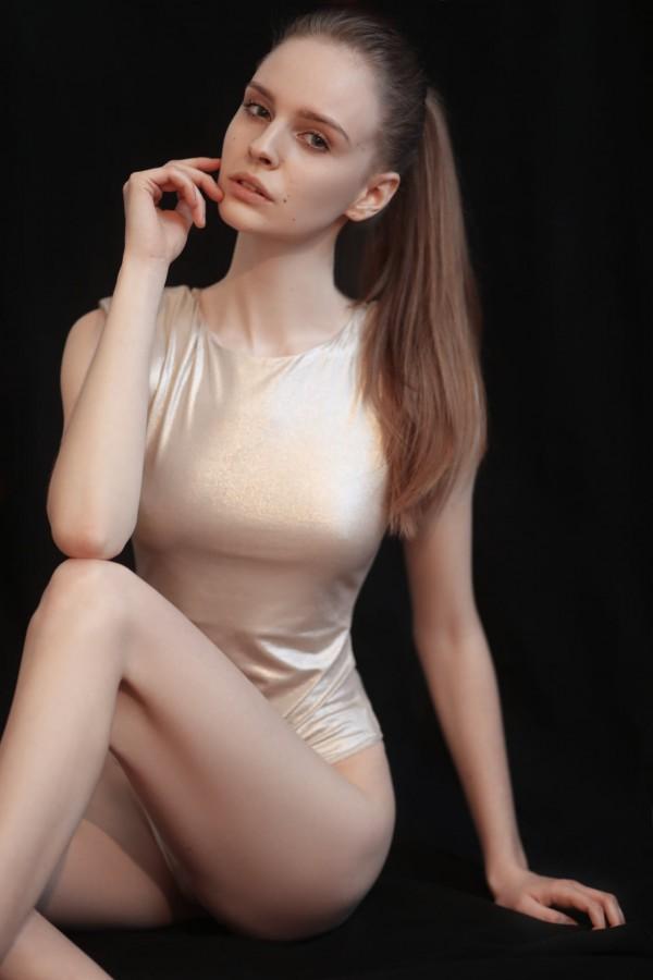 Zuzia Przybylska, finalistka The Look Of The Year 2020 w swojej najnowszej sesji